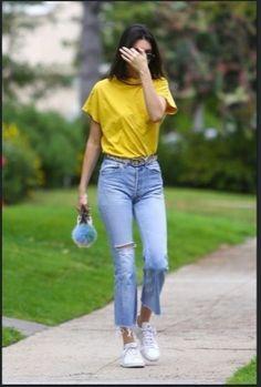 Kendall updates on в 2019 г. stuff to buy kendall jenner out Kendall Jenner Outfits Casual, Kendall Jenner Style, Celebrity Casual Outfits, Kardashian, Look Fashion, Fashion Outfits, Latest Fashion For Women, Womens Fashion, Vetement Fashion
