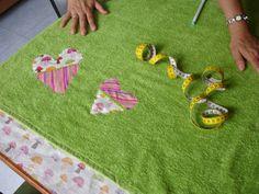Cuando vamos de vacaciones a la playa un accesorio que nunca puede faltarnos es la toalla. Esta se usa para casi todo, para sentarnos sobre ella, para secarnos, para abrigarnos, etc. Al usarla por algún tiempo esta puede perder algo de color o simplemente pasa de moda. Y antes de tirarla o regalarla podemos hacer otra cosa, una de esas cosas es customizar una toalla. http://www.casablanqueria.com/bano/customizar-una-toalla/ http://www.casablanqueria.com/bano/toallas-personalizadas/