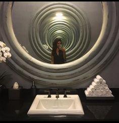 Saturn Heizkörper Kreisrund In Gold, Mit Chrom Handtuchhalter, Ein Wahres  Kunstwerk | Heizkörper | Pinterest | Art And Gold