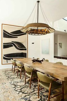 45+ Luxury Dinning Room Furniture Decor Ideas #diningroom #diningroomfurniture #diningroomfurnitureideasoaktable