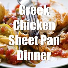 This Greek Chicken Sheet Pan Dinner is a perfect weeknight meal! Healthy Family Dinners, Healthy Meal Prep, Healthy Eating, Healthy Recipes, Greek Chicken And Potatoes, Baked Greek Chicken, Tasty Chicken Videos, Fitness Meal Prep, Sheet Pan Suppers