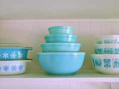 Collecting, Cleaning + Restoring Pyrex   Dans le Lakehouse