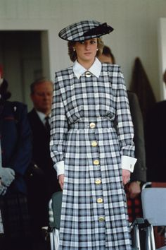 Diana, Princess of Wales - the annual Braemar Highland Games , le 03 September 1989 Lady Diana Spencer, Princess Diana Fashion, Princess Diana Pictures, Princess Diana Dresses, Royal Princess, Princess Of Wales, God Save The Queen, Diana Williams, Catherine Walker