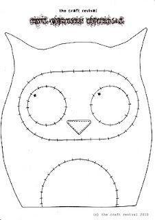 Tutoriel et patron (en anglais) pour un petit coussin hibou / owl cushion