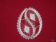 Bobbin Lace Patterns, Lace Heart, Lace Jewelry, Lace Embroidery, Lace Making, Lace Design, Hobbies And Crafts, Lace Detail, Easter Eggs