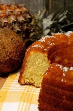 Kakkuviikarin vispailuja!: Ananas-kookos kahvikakku Lunch Recipes, Cake Recipes, Mumbai Street Food, Fruit Bread, Dairy Free Diet, Baked Donuts, Little Cakes, My Best Recipe, Coffee Cake