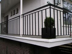Rooftop Design, Metal Gates, Patio Roof, Small Gardens, House Front, Fence, Terrace, Garage Doors, Outdoor Decor