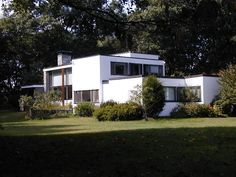 Marcel Breuer House in Lincoln, Massachusetts (Bauhaus principles, 1938)
