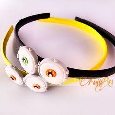 cerchietto per capelli MINION in fimo - idea bomboniera Minion, Cat Ears, In Ear Headphones, Fimo, Over Ear Headphones, Minions, Catgirl