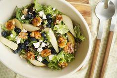 Pæresalat med feta og karamelliserede valnødder