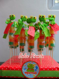 BROCHETTES DULCES Candy Kabobs, Frog Theme, Baby Shawer, Vacation Bible School, Snack Bar, Candy Buffet, Cold Porcelain, Ideas Para, Minions
