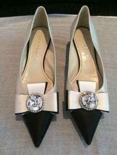 Casadei женские драгоценность слоновая кость и черный атлас насосы размер 10 | Одежда, обувь и аксессуары, Женская обувь, Обувь на каблуке | eBay!