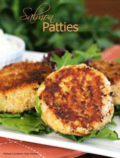 Salmon Patties Salmon Recipes, Fish Recipes, Seafood Recipes, Cooking Recipes, Seafood Meals, Yummy Recipes, Dinner Recipes, Seafood Salad, Dinner Entrees
