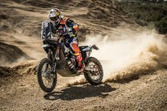 Red Bull KTM Factory Racing´s Matthias Walkner secured a well-deserved victory at the 2017 OiLibya Rally, which marked the fifth and final round of the 2017 FIM Cross-Country Rallies World Championship. Ktm Factory, Rallye Raid, Ktm 450, Dirtbikes, World Championship, Cars And Motorcycles, Motorbikes, Dirt Biking, Racing