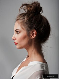 Willa Holland, photography is awesome and she's kind of to die for!