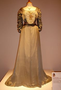 The Golden Bowl (2000) #movie by James Ivory costume worn by Kate Beckinsale as Maggie Verver #CostumeDesign: John Bright by Lyndsy88, via Flickr