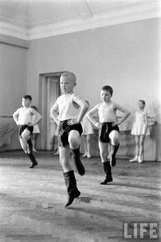 Nice To Live in a Soviet Country! Howard Sochurek Photos - Leningrad, USSR. 1959