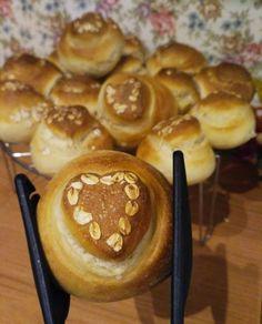 Rohlíky (a iné pečivo z rohlíkového cesta) – moje malé veľké radosti Muffin, Breakfast, Food, Basket, Morning Coffee, Muffins, Meals, Cupcakes, Yemek