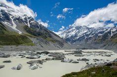 Il Monte Cook, noto anche come Aoraki, è la vetta più alta del paese. I suoi 3754 metri sono stati il campo di addestramento per Edmund Hillary prima di intraprendere la sfida dell'Himalaya.