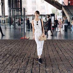 O Tudo Orna e mais 10 blogueiros de moda da América latina foram convidados pelo @tamlinhasaereas para participar de um circuito de moda criado pela LATAM. Hoje fomos no @masp_oficial ver a exposição chamada Arte na Moda: exposição MASP Rhodia onde tivemos a oportunidade de ver de pertinho peças criadas por artistas plásticos brasileiros dos anos 60. Estou animada #fashionLATAM // @julialcantara #tudoornaemsp