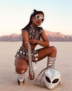 Best Outfits of Burning Man 2019 - Fashion Inspiration and Discovery