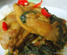 South Asian Cooking: Spinach and Chicken Curry Infused with Dried Fenugreek (Palak Chicken)