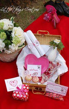 Picnic romántico al estilo Fara Party Design. My Funny Valentine, Valentines Weekend, Picnic Time, Summer Picnic, Romantic Dates, Romantic Ideas, Romantic Picnics, Design Blog, 3rd Birthday Parties
