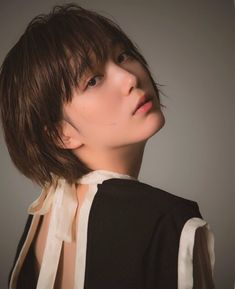new-wave-girls in 2020 Tomboy Hairstyles, My Hairstyle, Short Hairstyles For Women, Japanese Short Hair, Korean Short Hair, Short Hair Tomboy, Girl Short Hair, Japanese Beauty, Asian Beauty