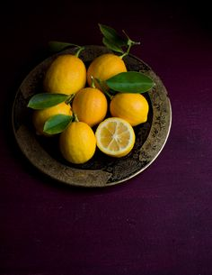 Trendy Fruit And Vegetables Photography Dark Ideas Fruit And Veg, Fruits And Vegetables, Fresh Fruit, Citrus Fruits, Vegetables Photography, Dark Food Photography, Beautiful Fruits, Oranges And Lemons, Lemon Cream