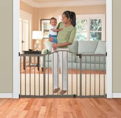 Introduction: Summer Infant Metal Expansion Child Gate * With two dogs and three small children, my home is very busy and really chaotic. I have a, fairly, large home and am fortunate enough to have rooms where kids and pets are not allowed to play. I purchased this gate with the idea of blocking off …