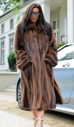 Nouveau Royal SAGA MINK russe sable fur coat classe de longue veste Chinchilla Fox
