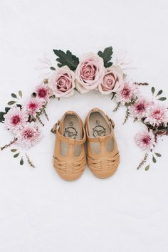 The sweetest, vintage inspired girls shoes! Vintage Girls, Vintage Shoes, Leather Buckle, Soft Leather, T Bar Shoes, Closed Toe Sandals, Little Girl Outfits, School Shoes, Long Toes