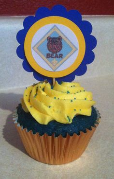 Cub Scout Cupcake Toppers Blue & Gold Banquet by TaradiddleDesign Wolf Scouts, Cub Scouts, Girl Scouts, Cub Scout Crafts, Cub Scout Activities, Fondant Cake Toppers, Cupcake Toppers, Fondant Cupcakes, Gold Cupcakes