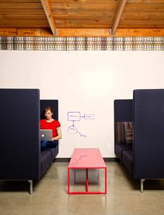 big-privacy-sofa-for-companies