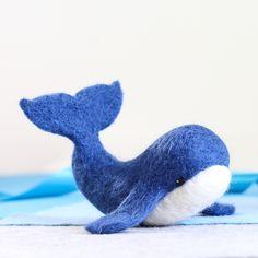 Whale Needle Felting Kit Craft Kit for Beginners Needle Felted Cat, Needle Felting Kits, Needle Felting Tutorials, Needle Felted Animals, Felt Animals, Wool Felting, Felted Scarf, Nuno Felting, Felt Bunny