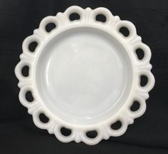 Vintage Anchor Hocking Milk Glass Old Colony Pattern Large Lace Edge Edge Salad Serving Plate