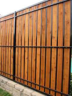 Best Useful Tips: Fence Architecture Swimming Pools fence architecture swimming pools.Fence Panels How To Build front yard fence farmhouse. Diy Privacy Fence, Privacy Fence Designs, Diy Fence, Fence Landscaping, Backyard Fences, Fence Ideas, Gate Ideas, Pool Fence, Garden Fencing