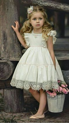 Best 12 The trim♥️ Baby Girl Dress Patterns, Little Dresses, Little Girl Dresses, Cute Dresses, Girls Dresses, Flower Girl Dresses, Baby Skirt, Baby Dress, Little Girl Fashion