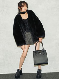 EMODA│エモダ公式ファッション通販│ランウェイチャンネルボリュームバブルフェイクファーコートの詳細情報| RUNWAY channel(ランウェイチャンネル)(041750050101)