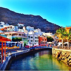 Find a resort in Gran Canaria Places Around The World, Travel Around The World, Around The Worlds, Tenerife, Grand Canaria, Holiday Places, Canary Islands, Spain Travel, Wayfarer