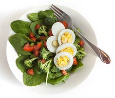 5 Healthy Protein-Packed Spring Salad Recipes