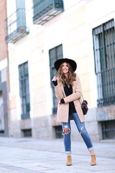 Trendy Taste - Boho Adventure Abrigo/Coat: Asos (New) Jerey/Sweater: Zara (Old) Jeans: Diesel (New) Botines/Boots: Zara (New) Sombrero/Hat: Goorin Bros Bolso/Bag: Mohekann via Sarenza.es