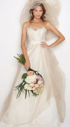 2013 Trendy Unique Wedding Gonw Features Applique Overlaid Organza Dress