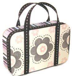 Altered Tin – Mini Purse — craftbits.com I am going to make this for my daughter's Hopscotch Hill Dolls! I might cover the tin in fabric instead of paper though.