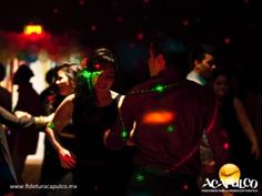 #antrosdemexico Ritmos latinos en Bar Mojito de Acapulco. ANTROS DE MÉXICO. Uno de los mejores lugares en el puerto de Acapulco, para irte a bailar ritmos latinos como salsa y cumbia sin lugar a dudas es el Bar Mojito, donde la música en vivo es una maravilla y no podrás parar de bailar en toda la noche. Además, sirven los mejores mojitos de sabores que puedas encontrar. Para más información, te invitamos a visitar la página oficial de Fidetur Acapulco.
