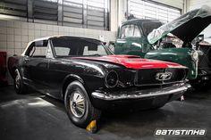 Projeto Mustang Conversível 1966 em fase de montagem. Terá motor V8, câmbio automático, injeção eletrônica, freios a disco nas quatro rodas, vidros elétricos, entre outros upgrades. Acompanhe o projeto aqui na fanpage!  #Ford #Mustang #Conversível #Batistinha #BatistinhaGarage