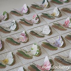Such pretty butterflies and looks you could make recycling from books and magazines.