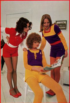 Knitting Patterns Book Hot Pants by allthepreciousthings 70s Vintage Fashion, 60s And 70s Fashion, Vintage Outfits, Vintage Style, Vintage Dresses, Young Fashion, Teen Fashion, Fashion Trends, Fashion Fail