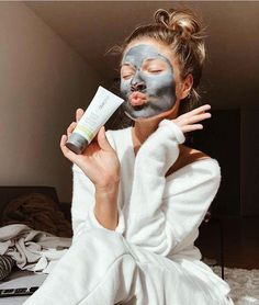 it launched People worldwide are jumping on the Mary Kay Charcoal Mask bandwagon.Since it launched People worldwide are jumping on the Mary Kay Charcoal Mask bandwagon. Mary Kay Ash, Mary Kay At Play, Mary Kay Party, Mary Kay Cosmetics, Mary Kay Charcoal Mask, Cremas Mary Kay, Best Peel Off Mask, Imagenes Mary Kay, Oriflame Beauty Products