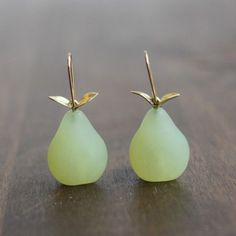 Gabriella Kiss Serpentine Pear Earrings in 14k Green Gold – Meeka Fine Jewelry